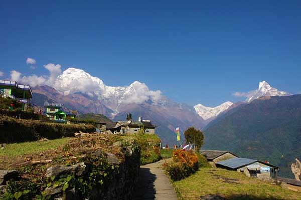 Nepal-Tea-Houses-Village-Mountains