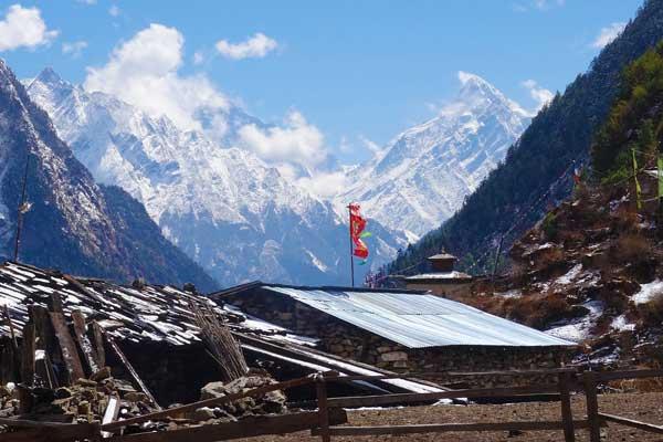 Nepal-Tea-houses-Shuck-Flag