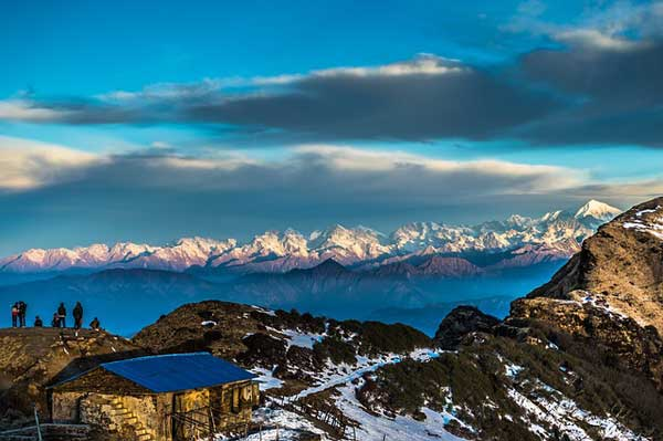 Nepal-Teahouse-1-mountains