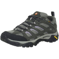 Everest-Base-Camp-Packing-List-shoes