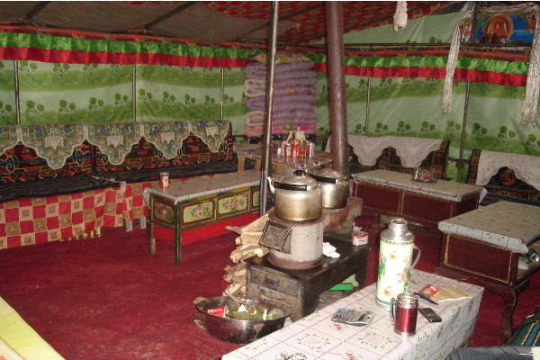 Food-and-Drinking-Water-on-an-Everest-Base-Camp-Trek-general