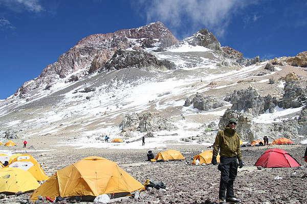 aconcagua-climbing-permit-featured