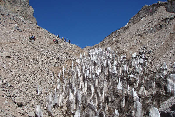 aconcagua-climbing-season-featured