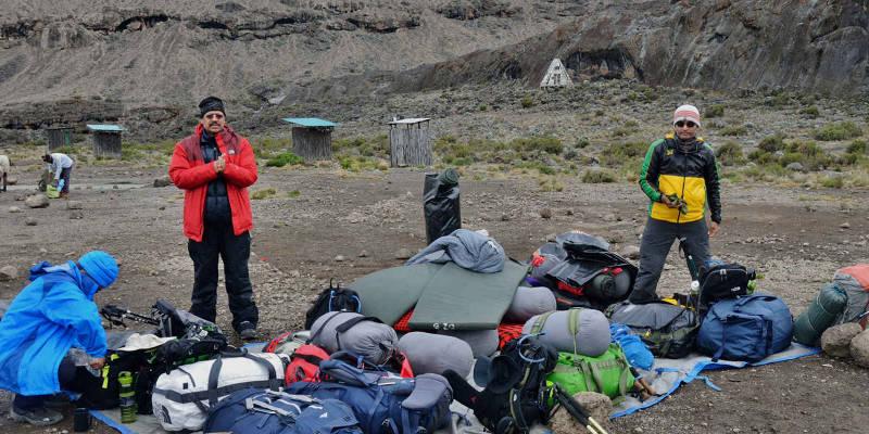 hiking-gear-list-image