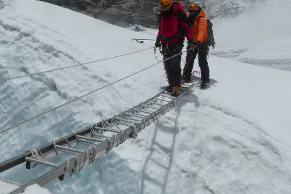 island-peak-ladder crossing