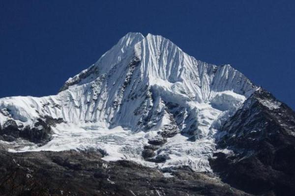 peak-climbing-in-nepal-checkigo