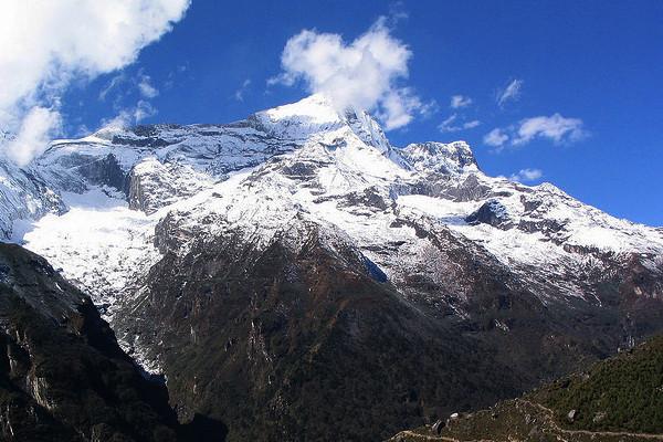 peak-climbing-in-nepal-kongde