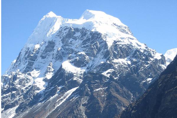 peak-climbing-in-nepal-lansisa