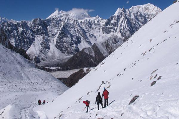 peak-climbing-in-nepal-larkya