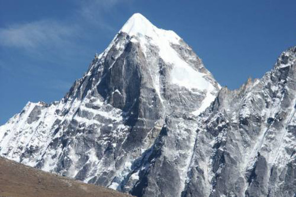 peak-climbing-in-nepal-machermo