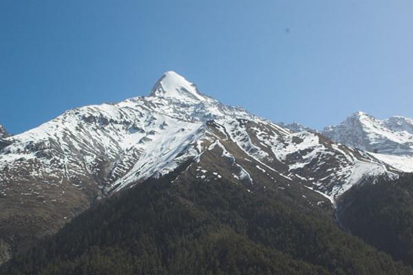 peak-climbing-in-nepal-pisang