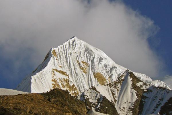 peak-climbing-in-nepal-singu-chuli-peak