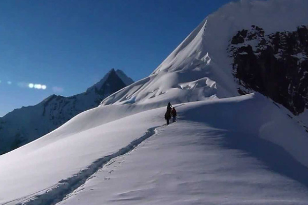 peak-climbing-in-nepal-tharpa