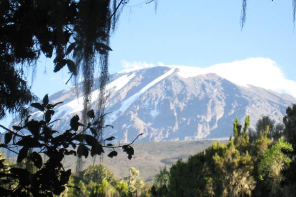 kilimanjaro-facts-featured