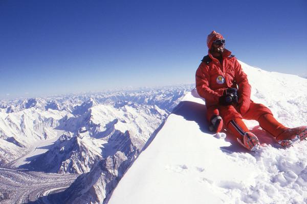 k2-winter-ascent