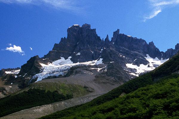 best-day-hikes-in-patagonia-cerro-castillo