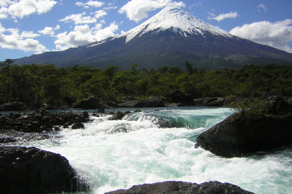 easy-treks-in-patagonia-vicente-perez-rosales-national-park