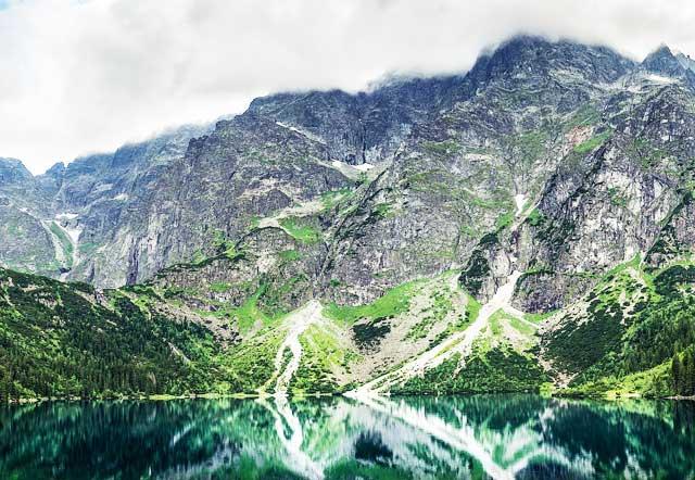 Carpathian-Mountains-Transylvanian-Alps-Tail-MountainIQ-Best-Hikes-in-Europe