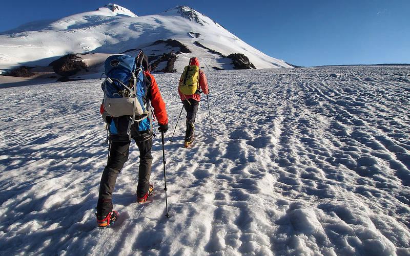 Mount-Elbrus-climb-cost