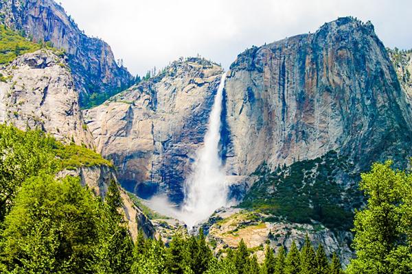 Yosemite Falls Hike 600x400