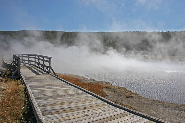 boiling-river-yellowstone