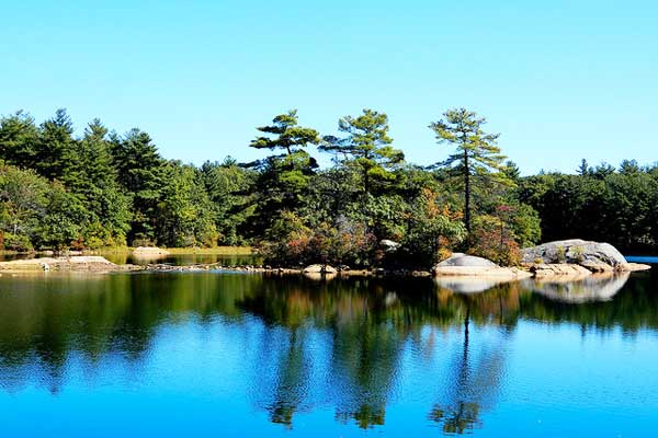 Hiking-near-Boston-Breakheart-Reservation