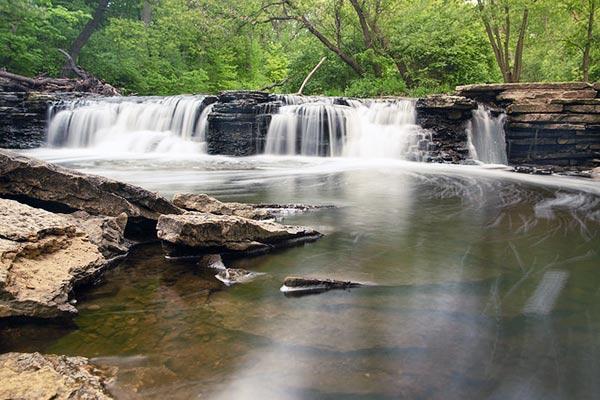 Waterfall Glen Forest Preserve