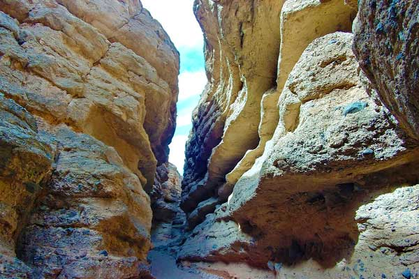 White-Owl-Canyon-in-Lake-Mead-Hiking-near-Las-Vegas