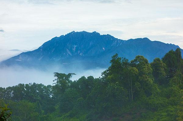Mount-Kinabalu-In-Malaysia