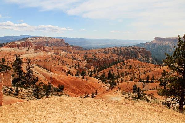 Queen's-Garden-Trail-Bryce-Canyon