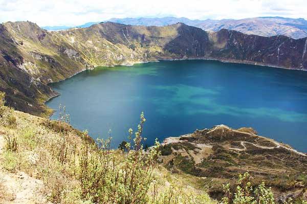 Valley-Of-The-Volcanoes-In-Ecuador