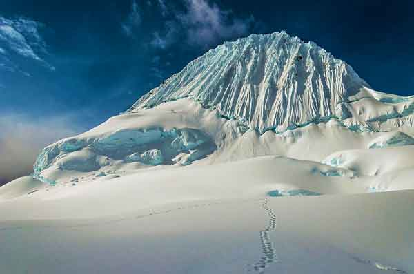 Alpamayo-Northern-Cordillera-Blanca