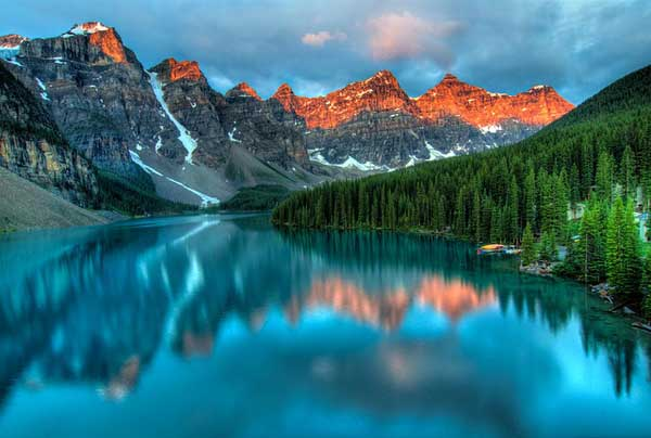 Canadian-Rocky-Mountains-Lake-Alberta
