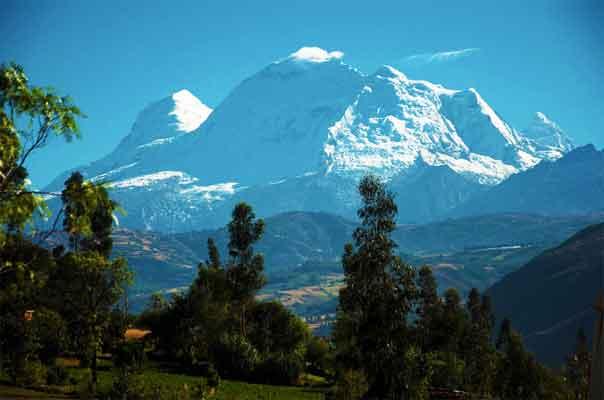 Huascaran-National-Park-Cordillera-Blanca-Andes-Peru-South-America