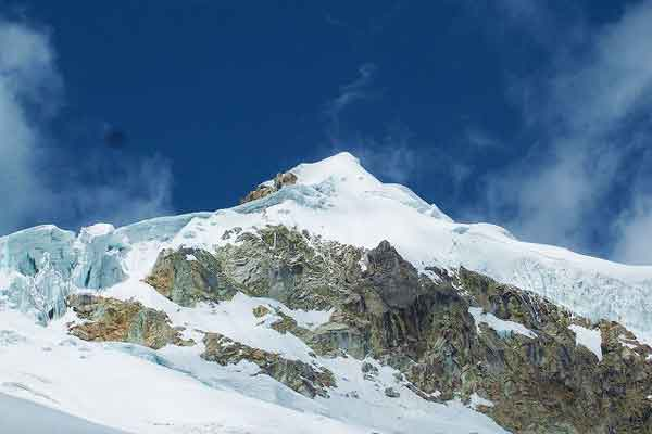 Ishinca-Southern-Cordillera-Blanca-Andes