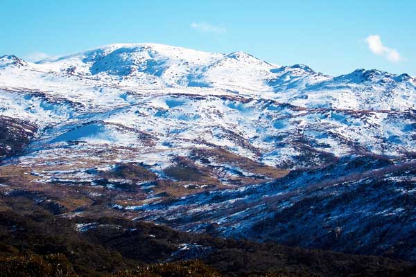 Mount-Twynam-Ramshead-Range-the-Snowy-Mountains-Australia-MountainIQ