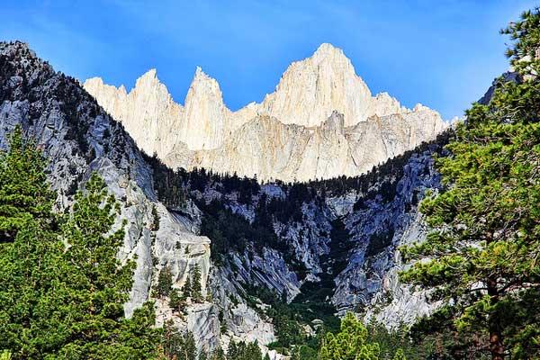 Mount-Whitney-Sierra-Nevada-Mountains