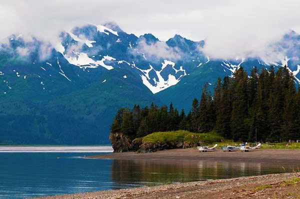 Lake-Clark-Alaska-Mountains