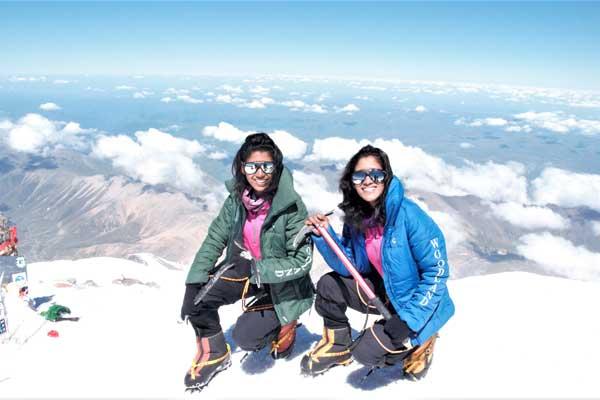 Tashi-Nungshi-Malik-mountain-top
