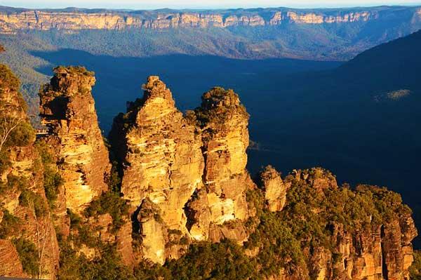 Blue-Mountains-Australia-Three-Sisters