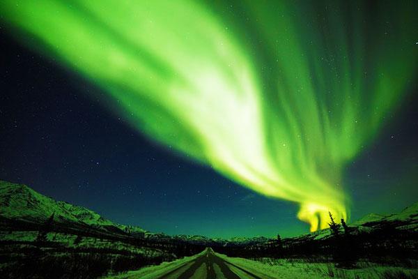 Denali-Alaska-Northern-Lights-North-America
