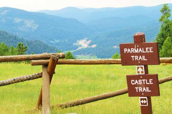 Mount-Falcon-Park-via-Castle-Trail-Best-Hikes-Near-Devner-Colorado-USA