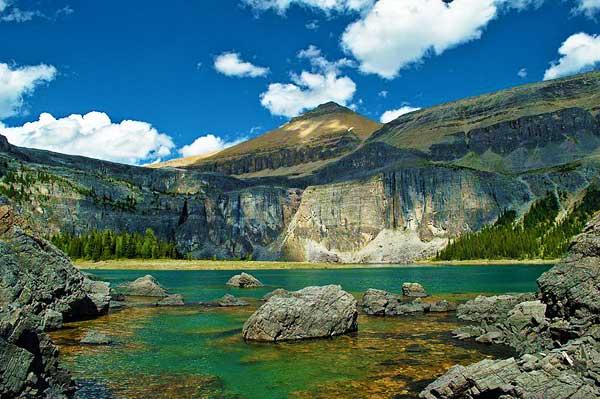 Rockbound-Lake-Track-Canada-North-America