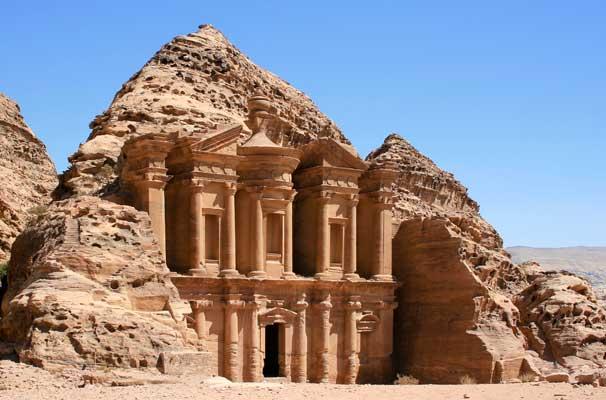 Trek-to-Petra-in-Jordan