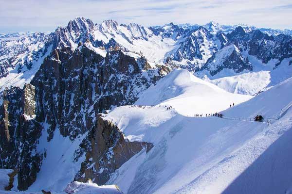 mont-blanc-Gouter-Hut-Route-Alps-Europe