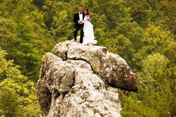 Bob-and-Antonie-Hodge-Ewing-mountain-wedding-ideas