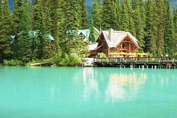 Emerald Lake in British Columbia