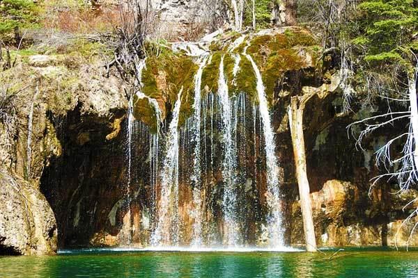 Hanging-Lake-Glenwood-Springs-Colorado-USA