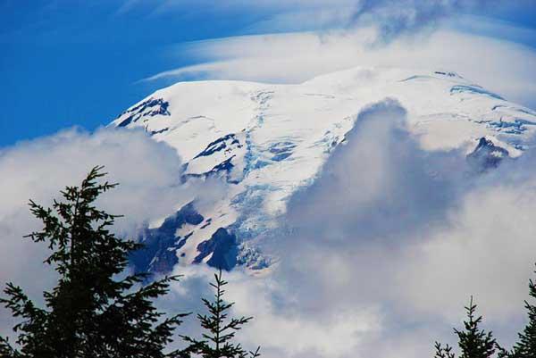Mount-Rainier-North-America-Washington-Best-time-to-go