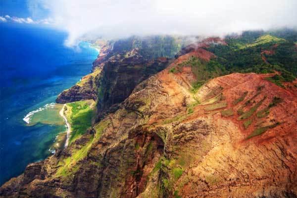 Nualolo-Ridge-Kauai-Hawaii-USA
